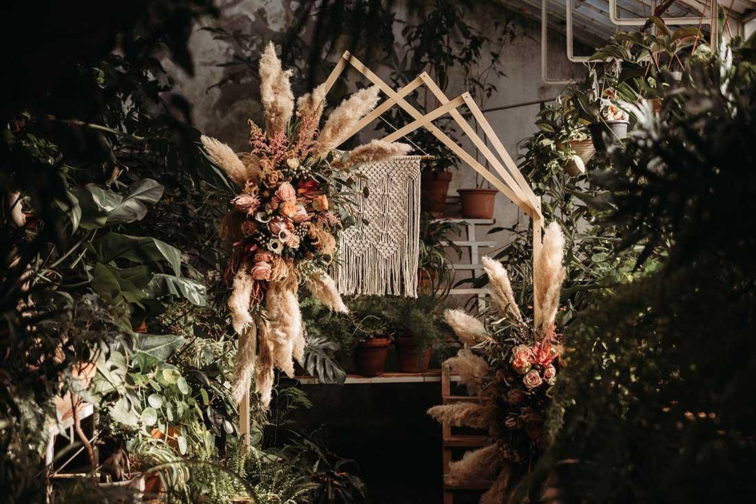 Beautiful wooden arch for boho wedding with pampas grass made by Cvetličarna Khaya
