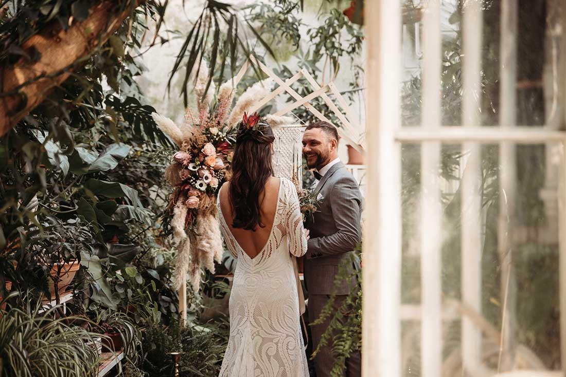 Perfect first look on beatiful dream wedding in botanical garden Sežana in Slovenia