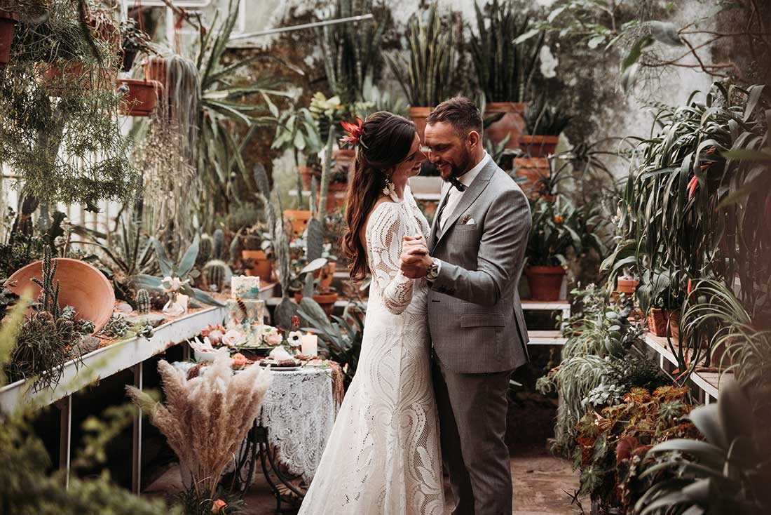 Wedding intimate unique first dance after the boho elopement, planned by Petra Starbek
