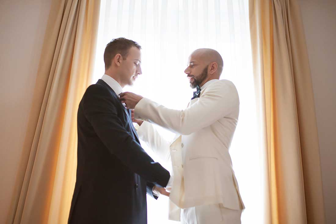 IL-05-dressing-up-grooms