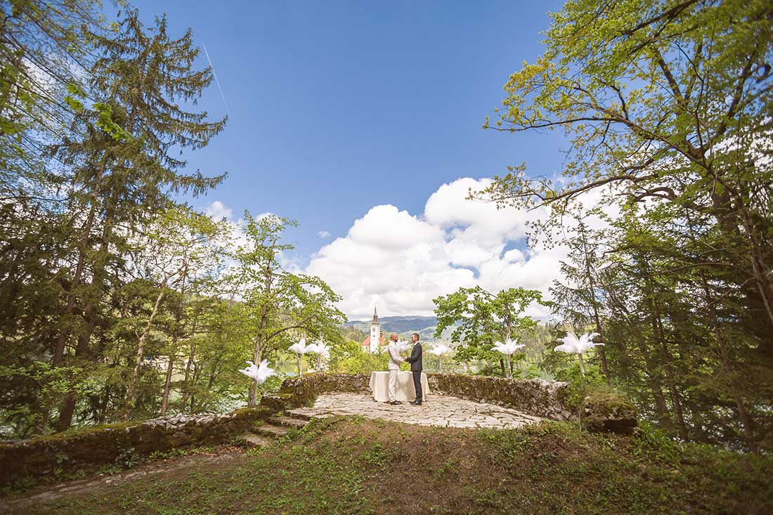 IL-19-feather-gay-wedding-lake-bled