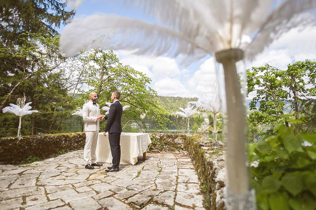 IL-20-intimate-gay-wedding-lake-bled