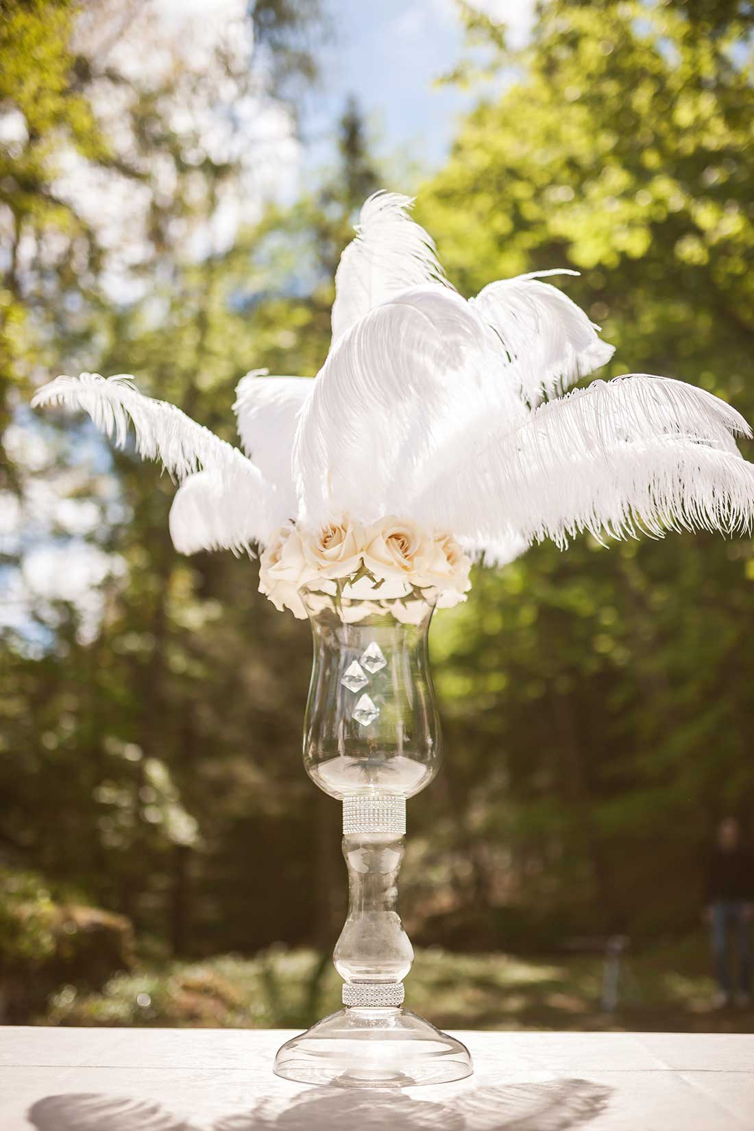 IL-23-main-feather-decoration-wedding-ceremon