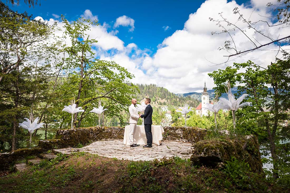 IL-24-samesax-wedding-ceremony-lake-bled