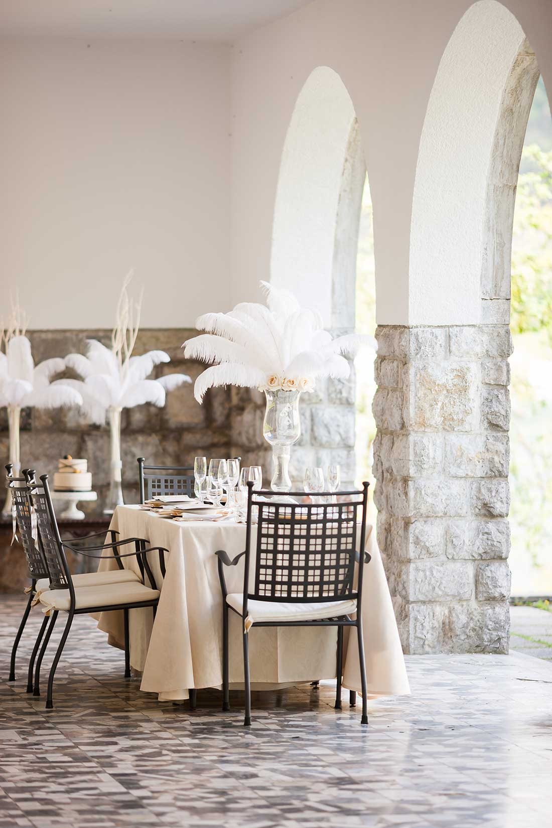 IL-37-wedding-table-at-vila-Bled