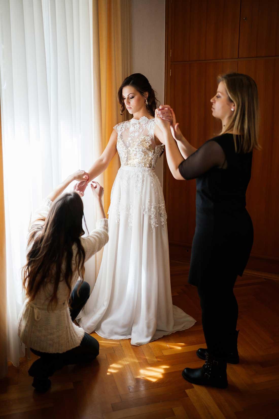MA-08-final-touches-bride