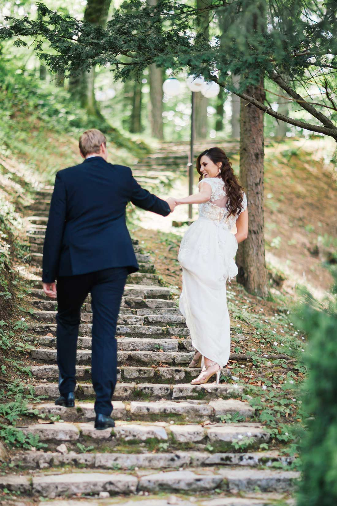 MA-17-wedding-couple-around-lake-bled-forest