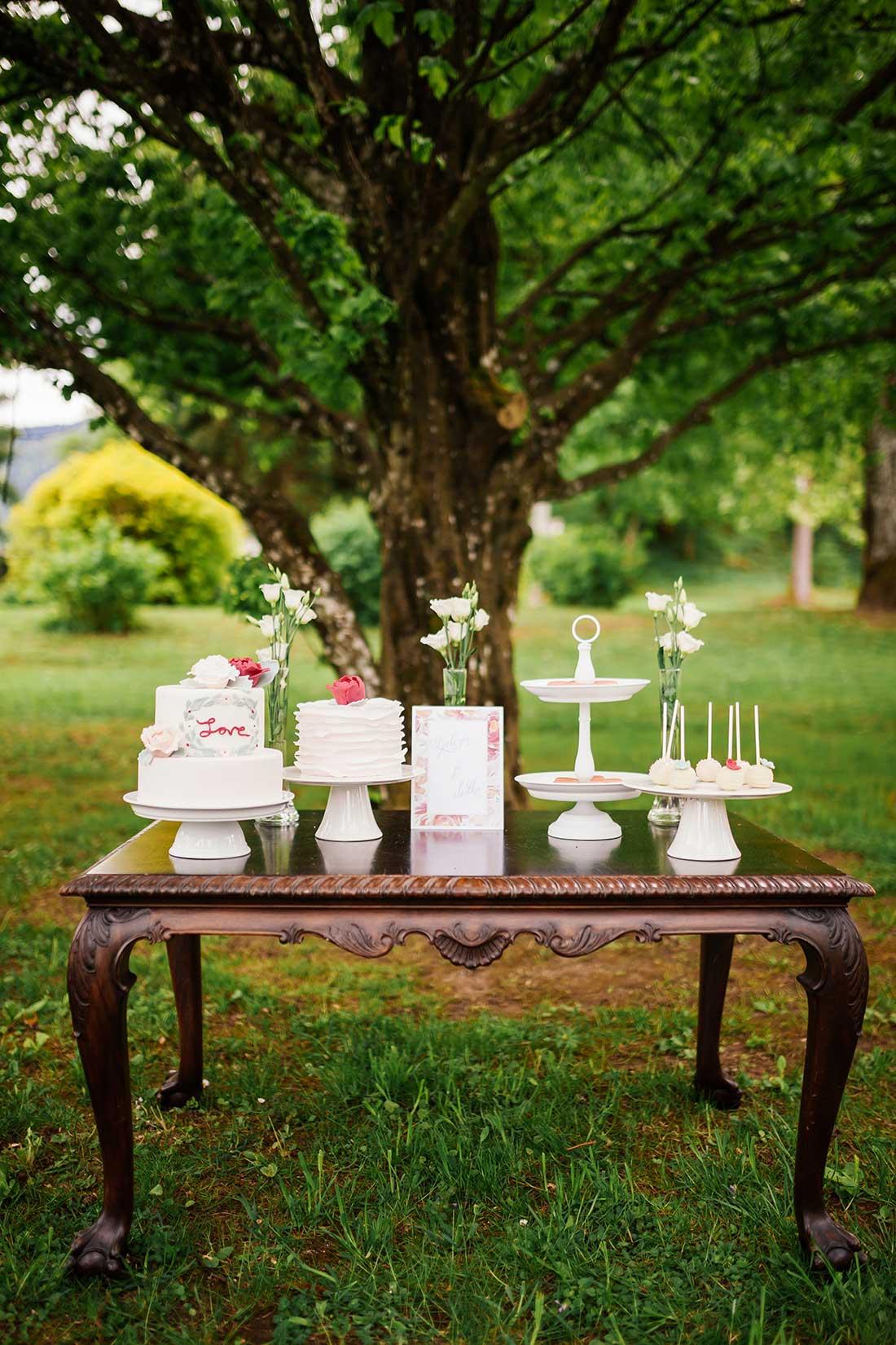 MA-22-sweet-table-outdoor-wedding