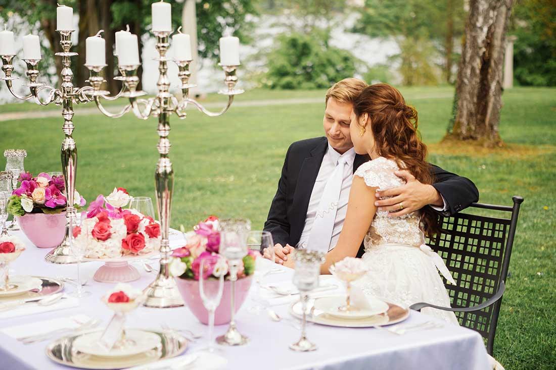 MA-26-wedding-couple-main-table