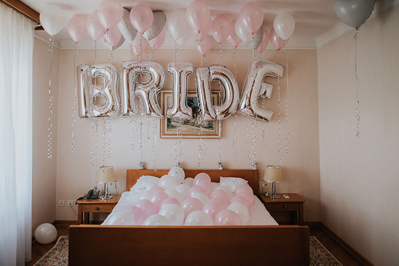 An amazing balloons surprise for the bride to be in Lake Bled – Vila Bled.