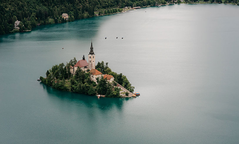 Lake Bled is a stunning yet inexpensive wedding venue in Europe. If you are looking for wallet friendly destination wedding location - Lake Bled is the right choice.