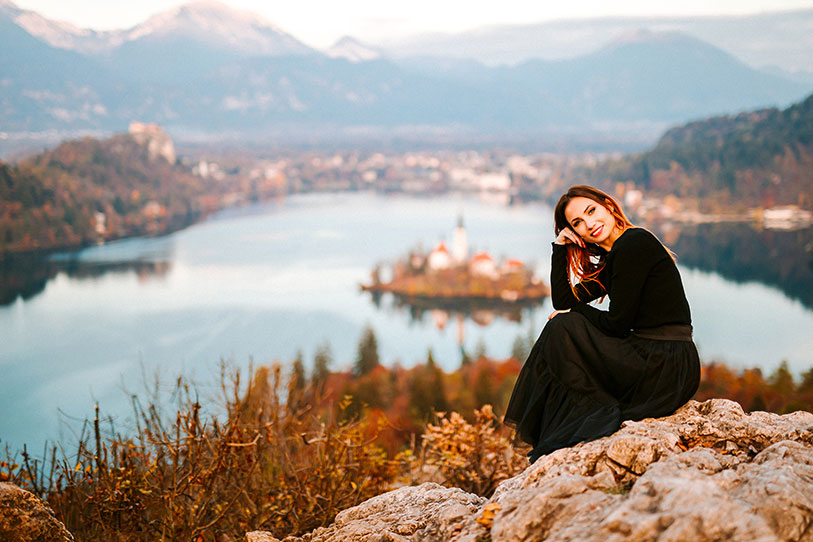 For Lake Bled castle wedding costs you can ask the top Lake Bled wedding planner Petra Starbek