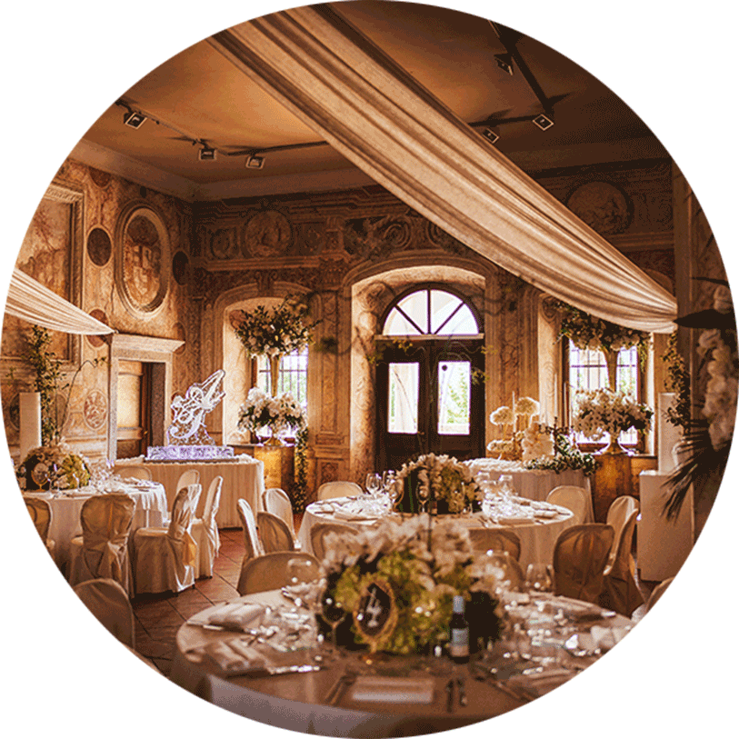 Fairytale, dreamy wedding decorations for a wedding couple from United Kingdom at Zemono castle in Vipava.
